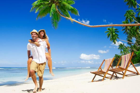 Paar am Strand von Mexiko