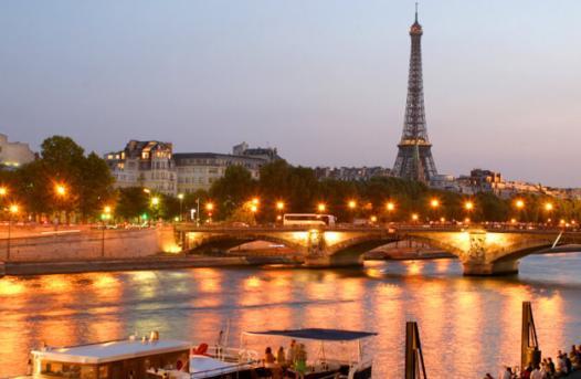 https://media.ab-in-den-urlaub.de/image/themeworld/../../image/hubpages/dias/paris_01.jpg
