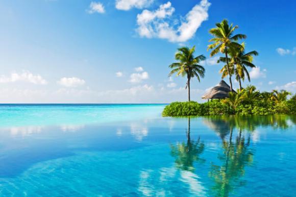 Pool mit Meerblick – Pazifik