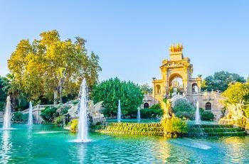 Barcelona Park Teich Fontänen