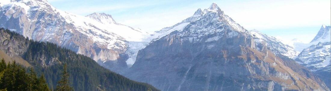 Bergpanorama, Berge mit Schnee, Schweiz