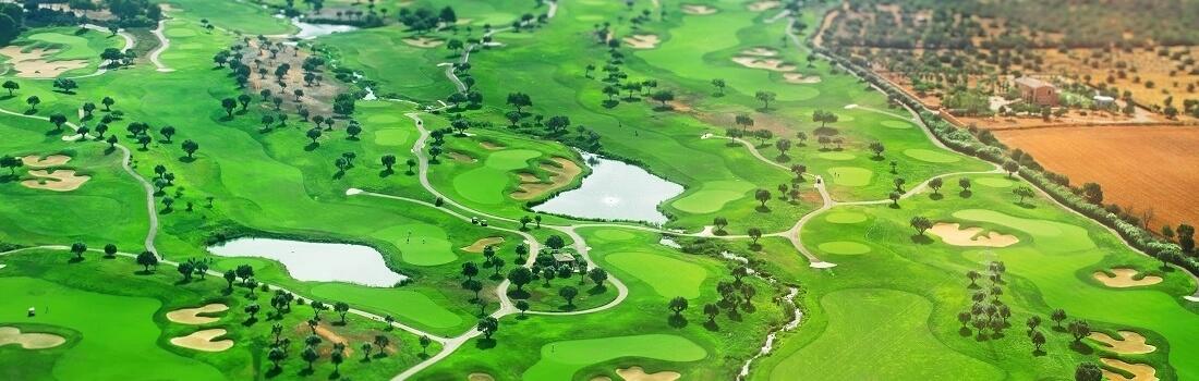Golf Platz auf Mallorca aus der Vogelperspektive
