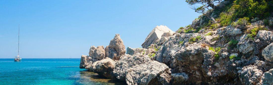 Italien, Felsen auf Sardinien