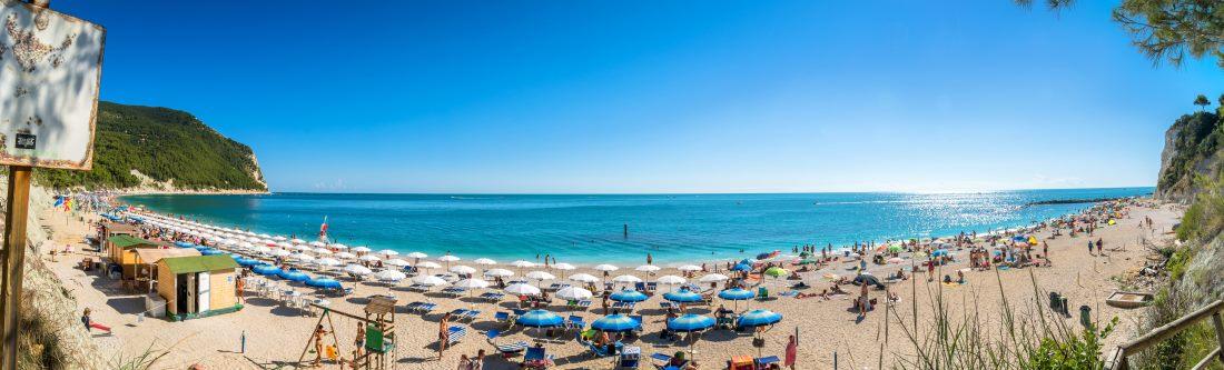 Italien, Kalabrien, Sirolo Beach im Conero Nationalpark