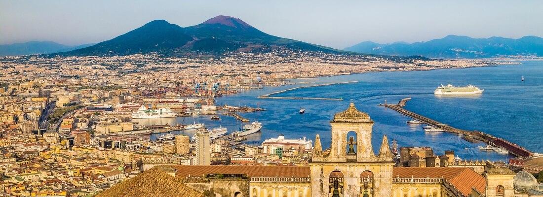 Panorama von der Stadt Neapel und dem Mittelmeer