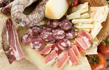 Wurst und Käse aus Sardinien