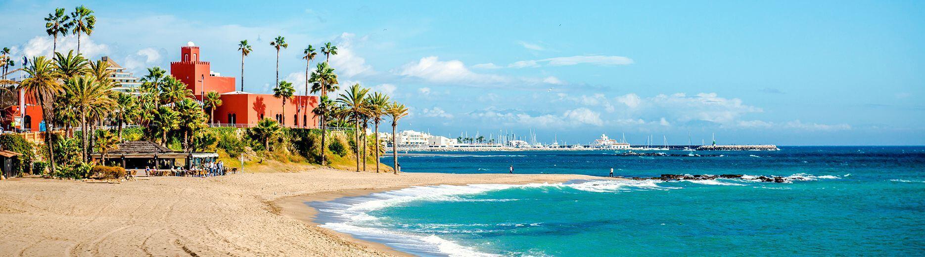 Spanien Costa del Sol, Panorama Bild, Palmen, Strand, Hafen, Boote