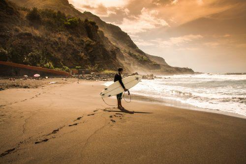 Kanaren, Teneriffa, Surfer