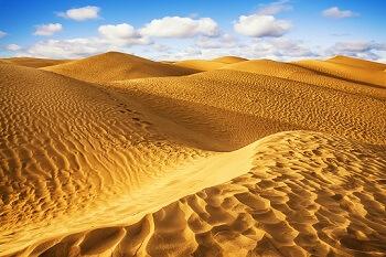 Blick über die Dünen der Wüste Tunesiens