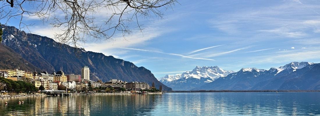 Blick auf den Genfer See im Winter