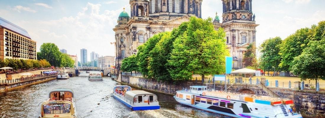 Boote auf der Spree, Berliner Dom, Berlin