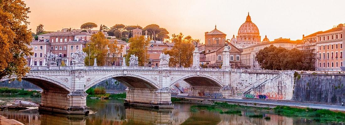 Brücke über den Tiber am Abend, Rom