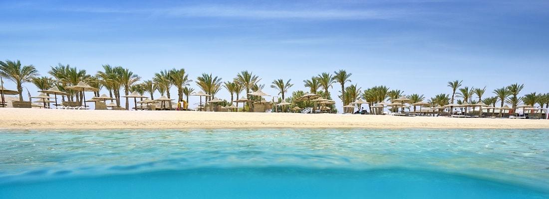 Panorama Blick auf einen Strand in Marsa Alam