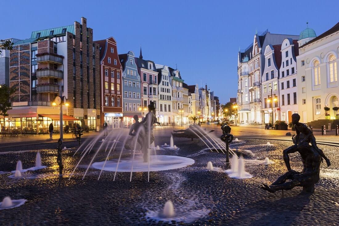 Rostock Universitätsplatz Brunnen der Lebensfreude