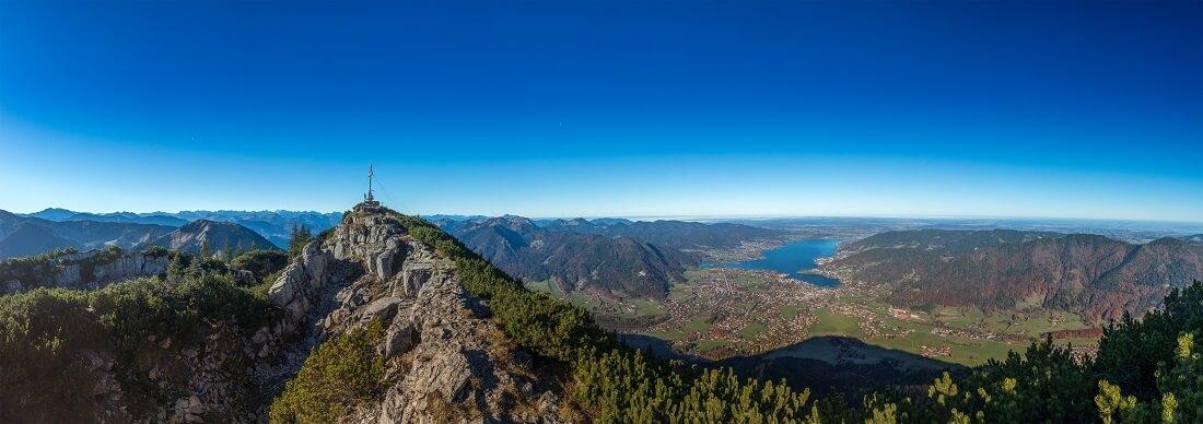 Tegernsee Berg mit Gipfelkreuz