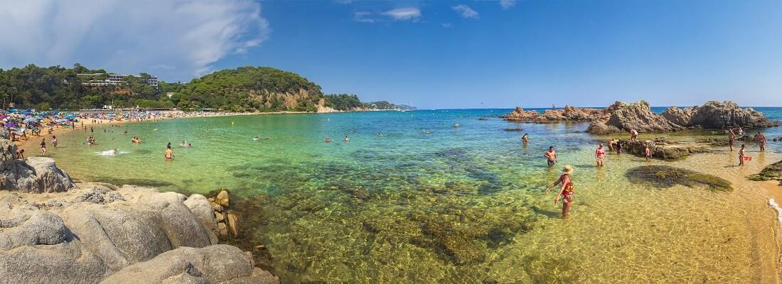 Blick auf den Strand von lloret de mar, Spanien